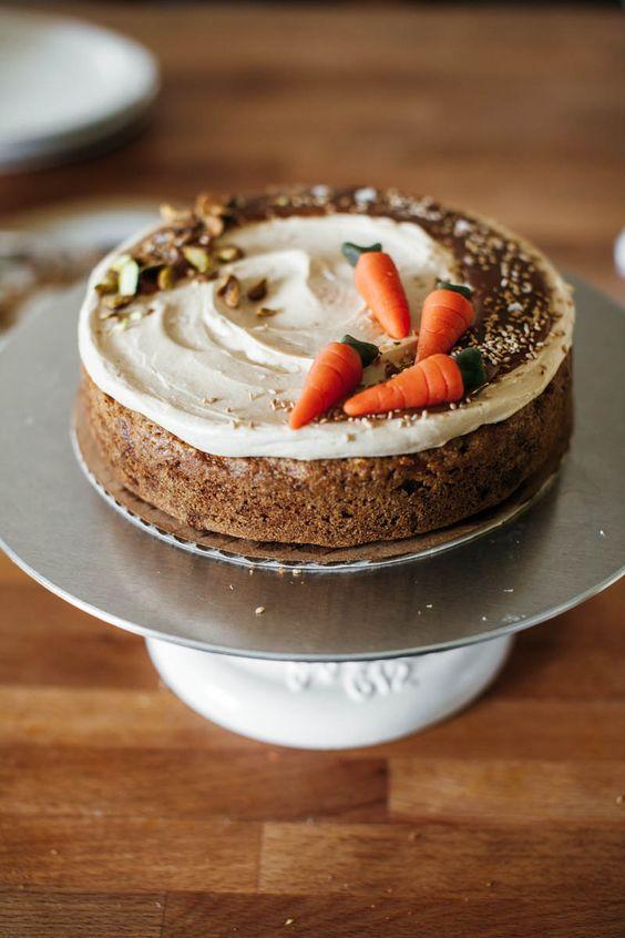 морковный пирог украшение