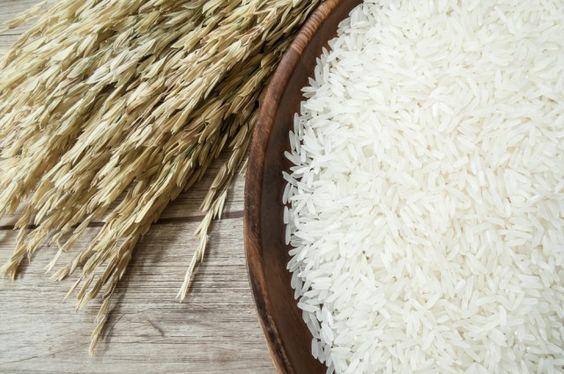 Чим пропарений рис відрізняється від звичайного?