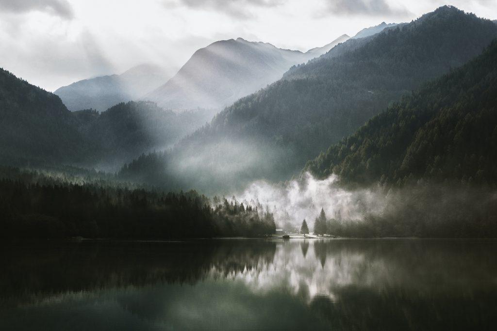 картинка промені сонця річка