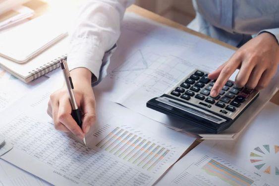 фінансовий аналітик