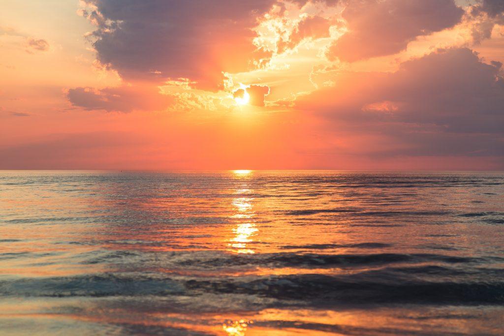 захід сонця море