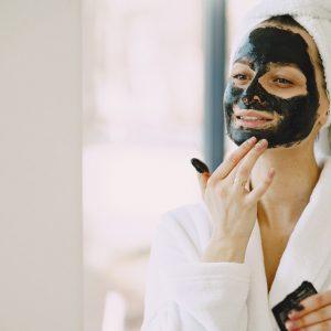 Що потрібно знати про глиняні маски