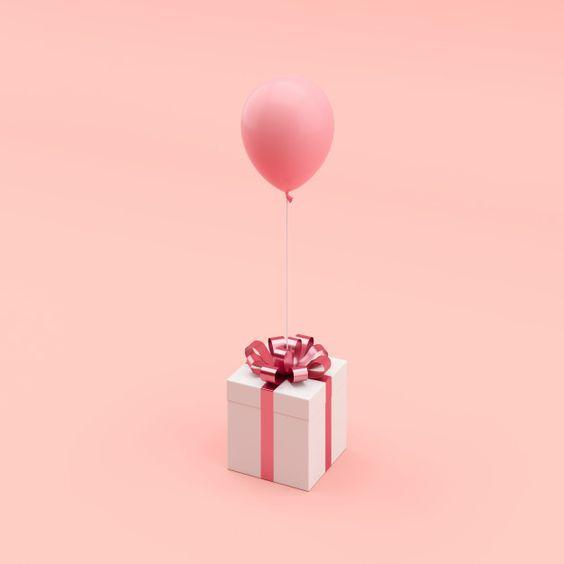 Топ-50 ідей що подарувати дівчині