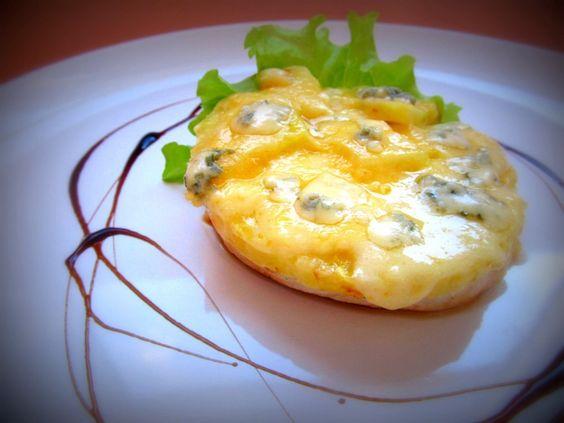 Запечена курка з ананасом під сиром