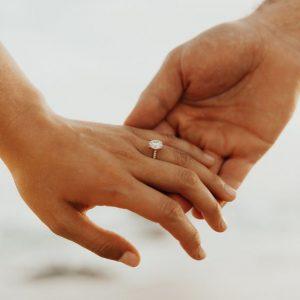 Как самостоятельно выбрать помолвочные кольца